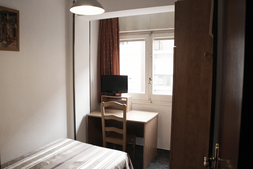 Habitaci n individual hostal a sa ochoa hostal for Hostal zaragoza
